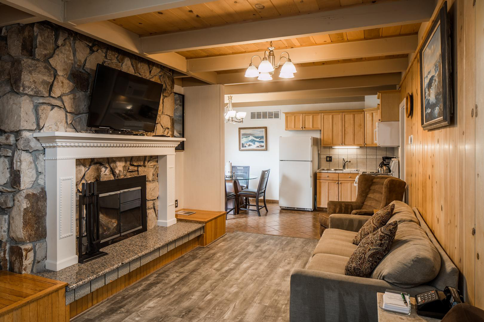 Two Bedroom Cottage Two Baths Andril Fireplace Cottages